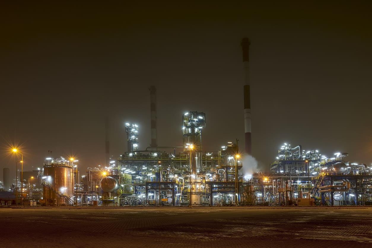 oil refinery installation